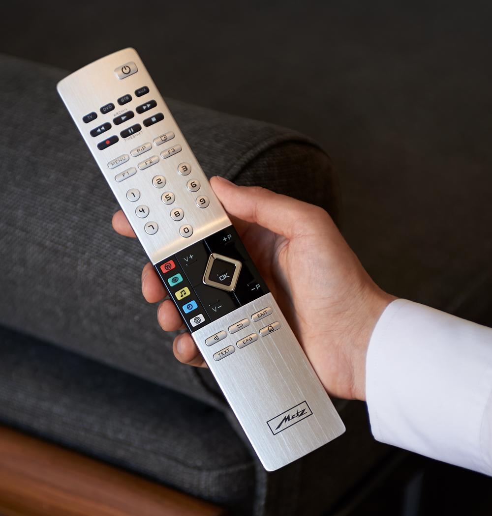 metz topas fernseher 4k tv uhd hdr made in germany. Black Bedroom Furniture Sets. Home Design Ideas